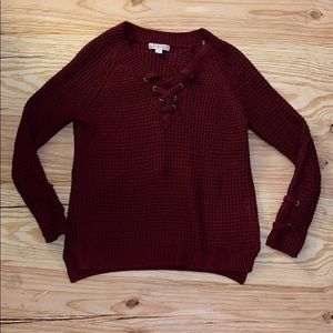 EUC sweater with cute lace up detail 🌟💫✨
